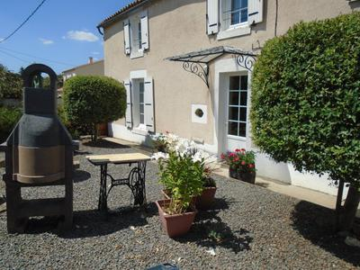 French property, houses and homes for sale in ST SULPICE EN PAREDS Vendee Pays_de_la_Loire