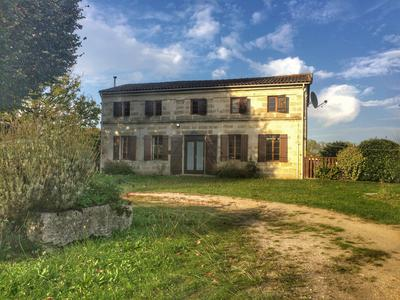 French property, houses and homes for sale in CHAMADELLE Gironde Aquitaine