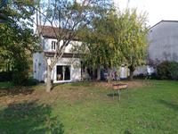 Maison à vendre à LAMOTHE MONTRAVEL en Dordogne - photo 1