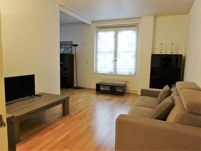 Paris 75004 - The Marais - 54m2 - 1 bedroom, a corner apartment exposed N/S/W bright and very quiet, on the 3rd floor with lift of a well maintained building close to Pompidou center, surrounded by cafes and shops, two steps from the banks of the Seine and the Ile de la Cité.
