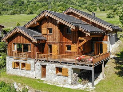 Exceptional individual family ski chalet for sale, situated in St Marcel only 1km from the ski lifts in St Martin de Belleville