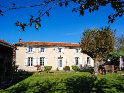 French property, houses and homes for sale in BRIE SOUS CHALAIS Charente Poitou_Charentes
