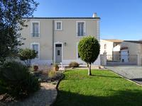 French property for sale in LA JARRIE, Charente Maritime - €371,000 - photo 1