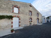 French property for sale in LA JARRIE, Charente Maritime - €371,000 - photo 9