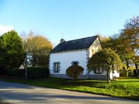 French property for sale in MERDRIGNAC, Cotes d Armor - €69,000 - photo 2