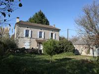 Maison en pierre avec 4 chambres, dépendances et terrain entre Mareuil et Brantome