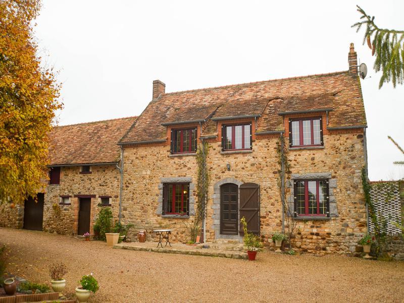 maison vendre en pays de la loire sarthe cheville tr s jolie maison de ferme en pierre 137. Black Bedroom Furniture Sets. Home Design Ideas