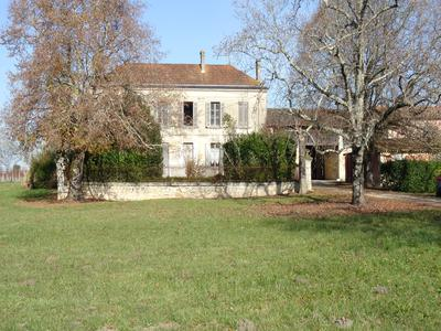 French property, houses and homes for sale in ST SAVIN Gironde Aquitaine