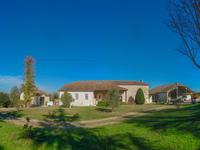French property for sale in STE LIVRADE SUR LOT, Lot et Garonne - €449,999 - photo 1