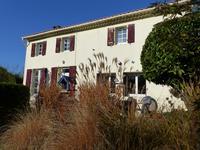 Maison charentaise bien rénovée avec 3 chambres, idéale pour premier achat ou maison de vacances