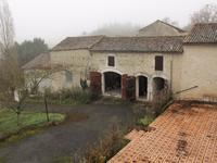 Maison à vendre à COULONGES en Charente photo 9