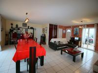 Maison à vendre à CHALAIS en Charente - photo 5