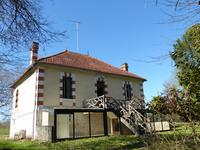 French property for sale in BAIGNES STE RADEGONDE, Charente - €194,400 - photo 1