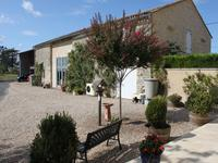 French property for sale in PUJOLS, Gironde - €450,000 - photo 2
