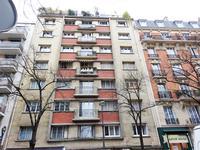 Entre Convention et Plaisance, 84m2 - 3/4 Pièces, un lumineux appartement familial traversant sur rue et sur cour dégagée, avec petit balcon et belle vue sur la Tour Eiffel, au 6e étage par ascenseur d'un immeuble de 1958 bien entretenu.