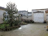 French property for sale in MONTIGNAC CHARENTE, Charente - €147,150 - photo 4
