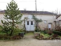 French property for sale in MONTIGNAC CHARENTE, Charente - €147,150 - photo 3