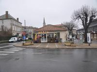 Commerce à vendre à CONFOLENS en Charente - photo 9
