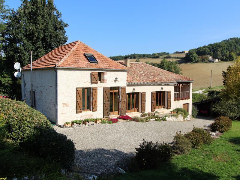 maison vendre en midi pyrenees tarn et garonne castelsagrat jolie ferme en pierre r nov e. Black Bedroom Furniture Sets. Home Design Ideas