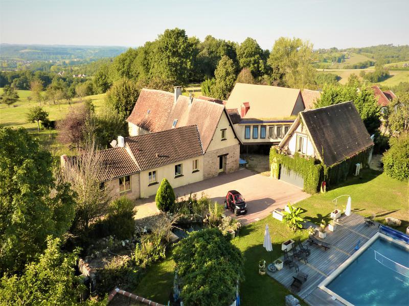 Maison vendre en aquitaine dordogne anlhiac magnifique for Piscine en limite propriete sur petit terrain