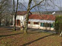 Maison à vendre à CONDAT SUR TRINCOU en Dordogne - photo 1