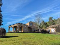 Périgord Noir - Superbe villa haut de gamme avec piscine en pleine nature luxuriante entre Montignac et Plazac - parc de 2 ha clôturé avec belle vue sur la vallée - double garage - étang - pool house.
