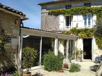 Maison à vendre à JARNAC en Charente - photo 1