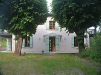 French property for sale in STE LIVRADE SUR LOT, Lot et Garonne - €325,000 - photo 1