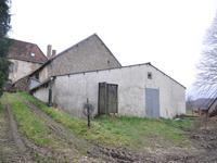 Grange à vendre à MONTAIGUT LE BLANC en Creuse - photo 0