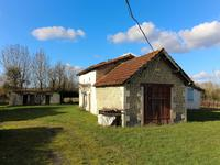 French property for sale in MONTENDRE, Charente Maritime - €82,500 - photo 3