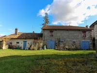French property for sale in MONTENDRE, Charente Maritime - €82,500 - photo 2