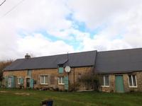 Maison familiale avec grange et terrain