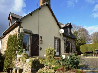French property, houses and homes for sale in PERRIERS EN BEAUFICEL Manche Normandy