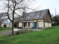 Bellou en Houlme, maison de campagne avec trois chambres. 5 mins de Briouze et gare.
