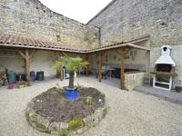 French property for sale in FONTAINE CHALENDRAY, Charente Maritime - €199,800 - photo 10