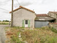French property for sale in AUBIGNE, Deux Sevres - €42,000 - photo 2