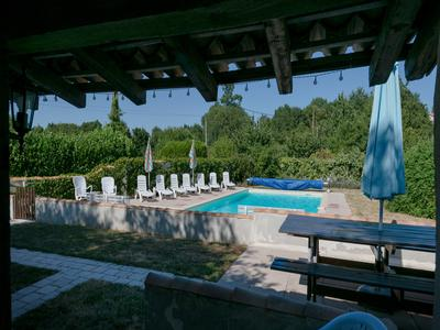 Paradise of three houses with three private pools, games room, spa and beautiful views. Private setting without neighbours. Up and running business with good income record and the possibility to extend.