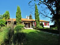 French property, houses and homes for sale inMOULISMESVienne Poitou_Charentes