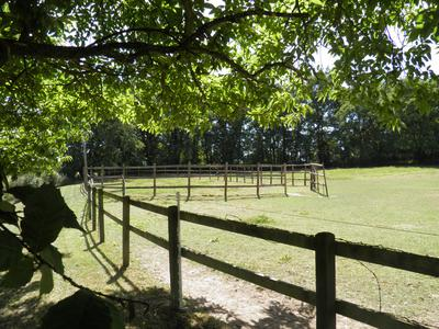 Beautiful equestrian property in Burgundy with 34 hectares of surrounding land.