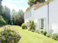 French property, houses and homes for sale in DOEUIL SUR LE MIGNON Charente_Maritime Poitou_Charentes