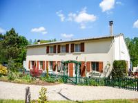 houses and homes for sale inBORESSE ET MARTRONCharente_Maritime Poitou_Charentes