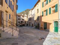Côte d'Azur – Maison de village spacieuse, 135 m2, dans village perché de l'arrière pays niçois, 30 mn de l'aéroport de Nice, parfaite pour vie familiale ou investissement locatif.