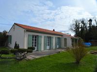 Rare !!!! à L'éguille-sur-seudre,maison de plein pied de 112 m²avec 3 chambres sur 1408 m² de terrain