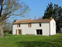 Propriété type Equestre avec 4 chambres proche La Rochelle et Marais Poitevin