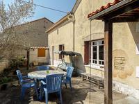 Maison à vendre à CHAMPNIERS en Charente - photo 2