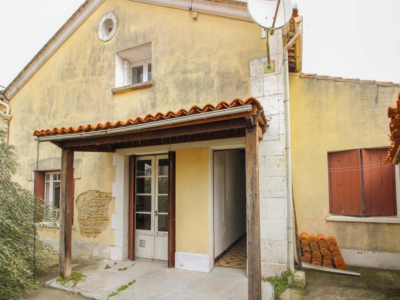 Maison à vendre à CHAMPNIERS(16430) - Charente