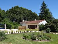 Maison en parfait état avec gîte indépendant, piscine avec abri, grand terrain avec réserve d'eau