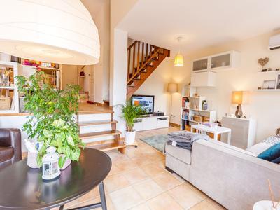 Maison à vendre à MALLEMORT, Bouches_du_Rhone, PACA, avec Leggett Immobilier