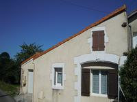 French property for sale in COURANT, Charente Maritime - €147,000 - photo 2
