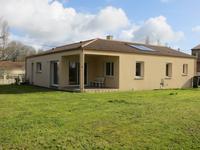 Maison de plain pied, moderne et économe, 3 chambres, 2 sdb, dans un hameau à 3km de Champ St Pere, 15km de La Roche sur Yon et 20km de la plage
